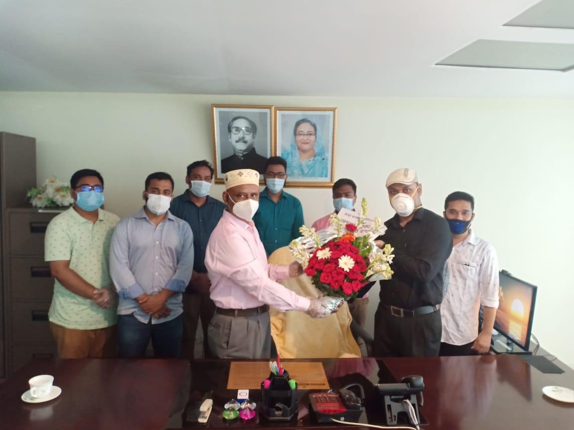 New Principal received flower bouquet from fellow teachers